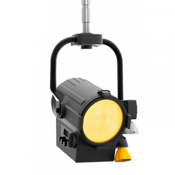 ProLights ECLFRJPTW  прожектор с линзой Френеля 130W